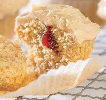 cupcakes-pbj-staceycakes